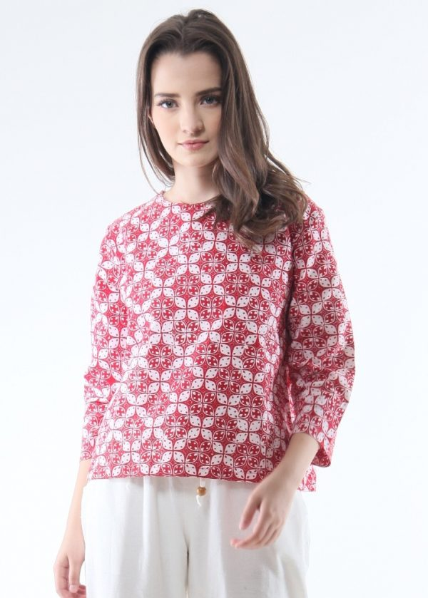 3/4 Sleeve Ethnic Blouse in Flower Red size M