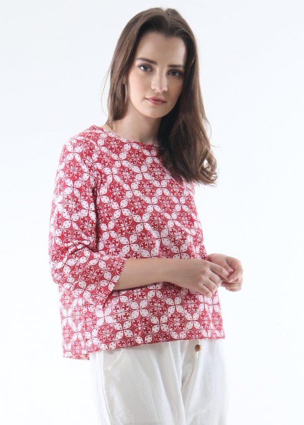 3/4 Sleeve Ethnic Blouse in Flower Red size L Baju Batik Modern