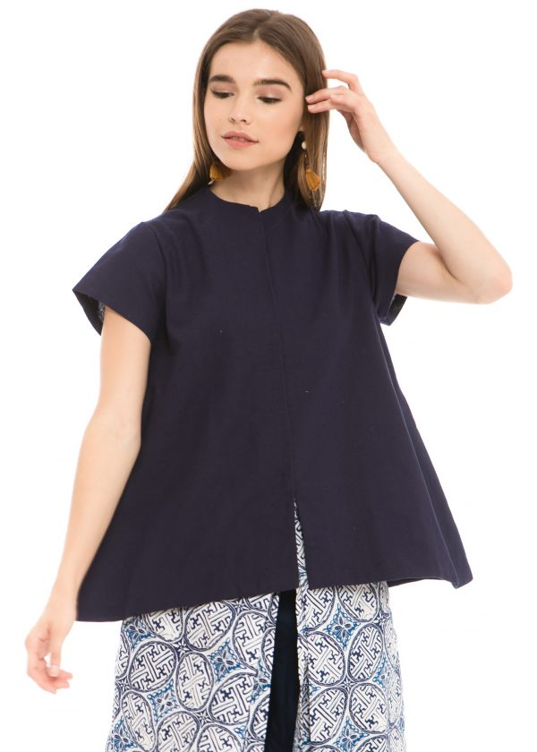 Gaura Linen Blouse in Navy