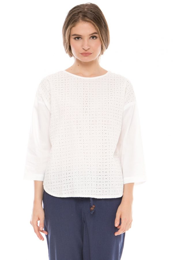 Giselle Embroidery Blouse in White Motif 3