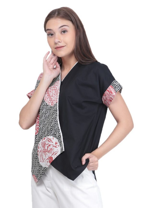 Crossed Slampadan Blouse in Black
